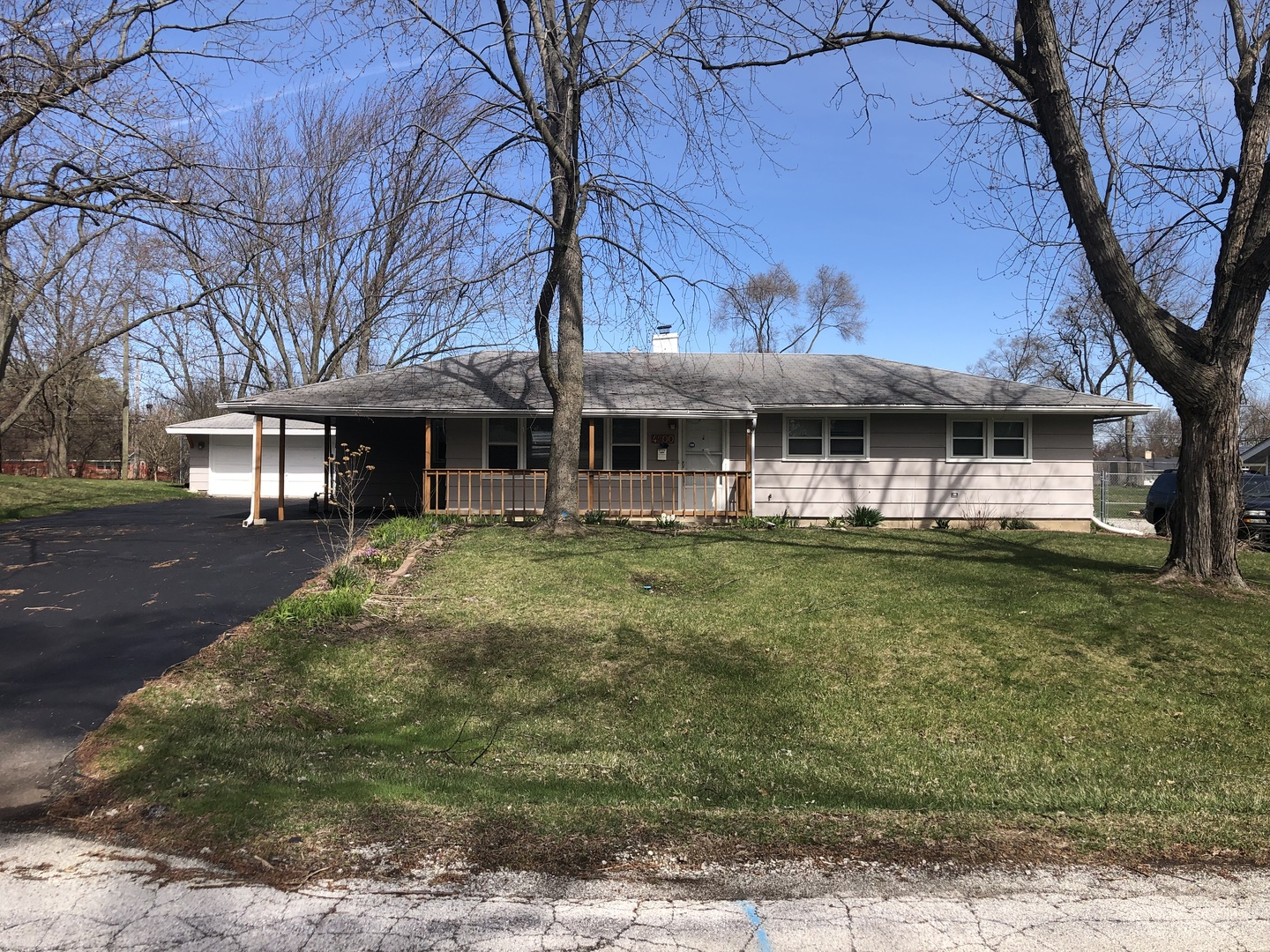 4500 185th Place Country Club Hills 60478 Crowne Realty Llc