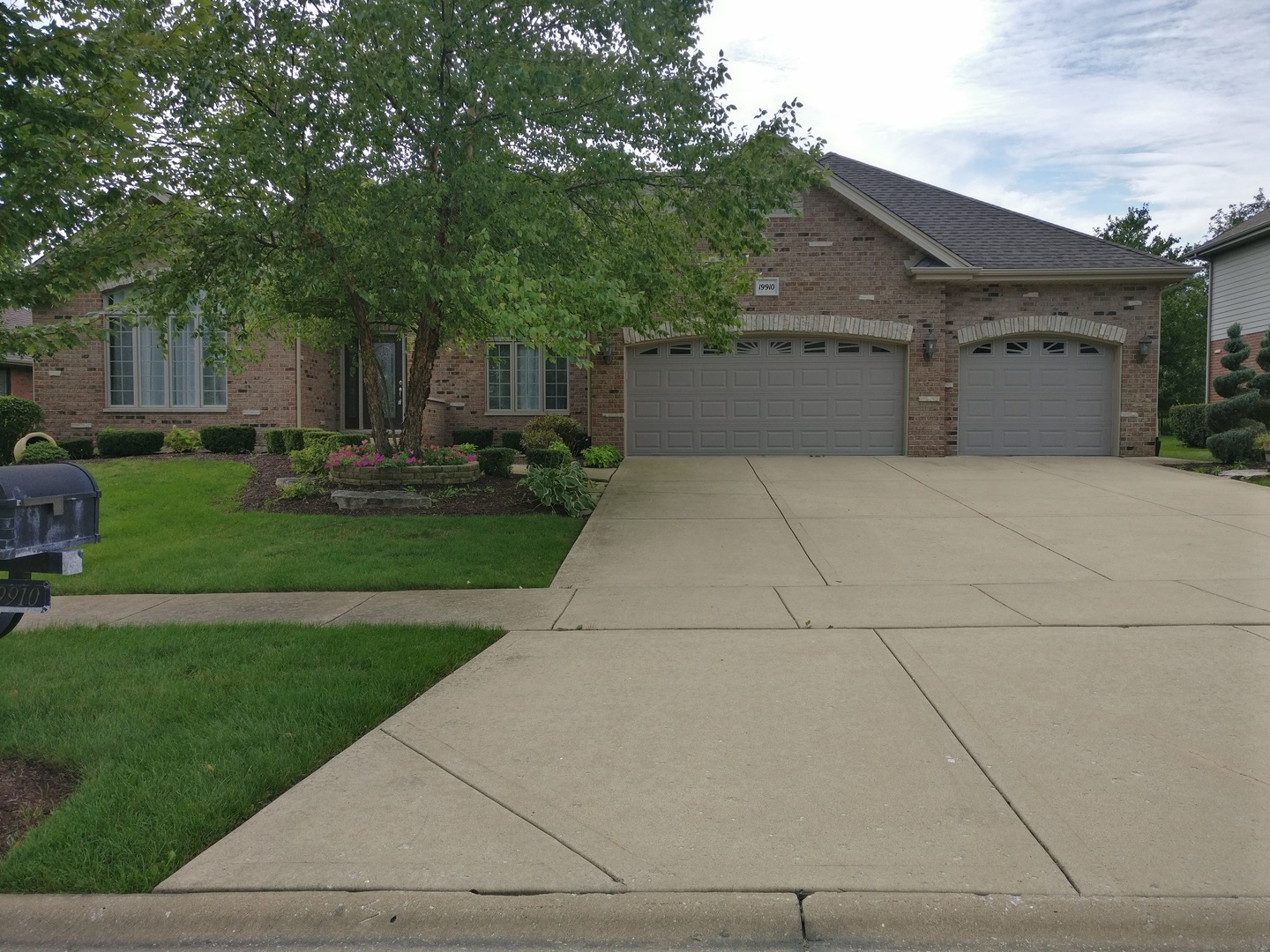 Property for sale at 19910 Berkshire Drive, MOKENA,  Il 60448