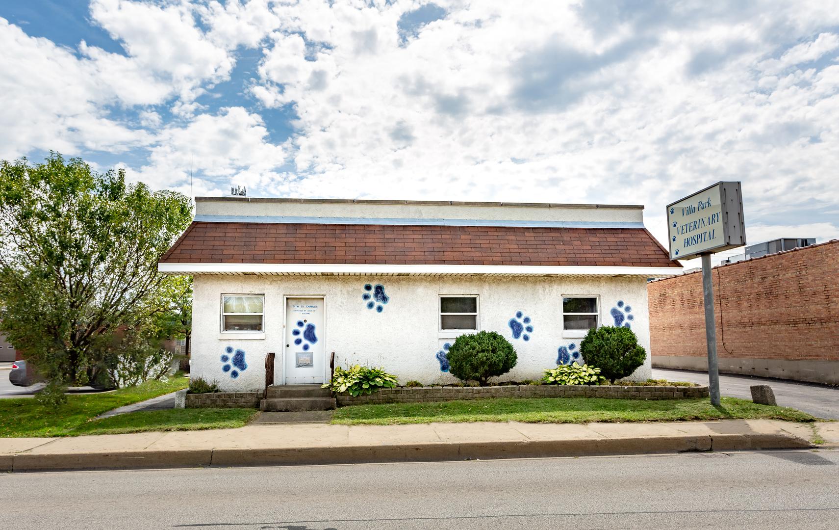 31 W St Charles Rd, Villa Park, IL 60181
