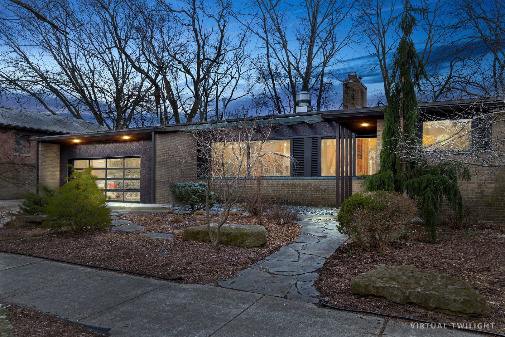 CALIFORNIA MEETS LINCOLN SQUARE/BUDLONG WOODS-Experience the rare opportunity to own a one-of-a-kind