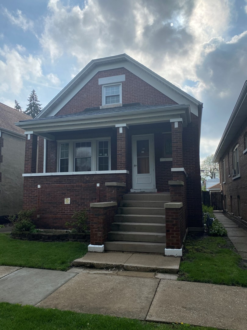 """This Cozy 3br 1bth Home is sold """"AS IS"""" with lots of potential.  Bathroom has been updated and property has generous room sizes with partial basement for more living space waiting for your new ideas. *Buyer to assume all Village inspections, requirements and repairs* Property is sold AS-IS!"""