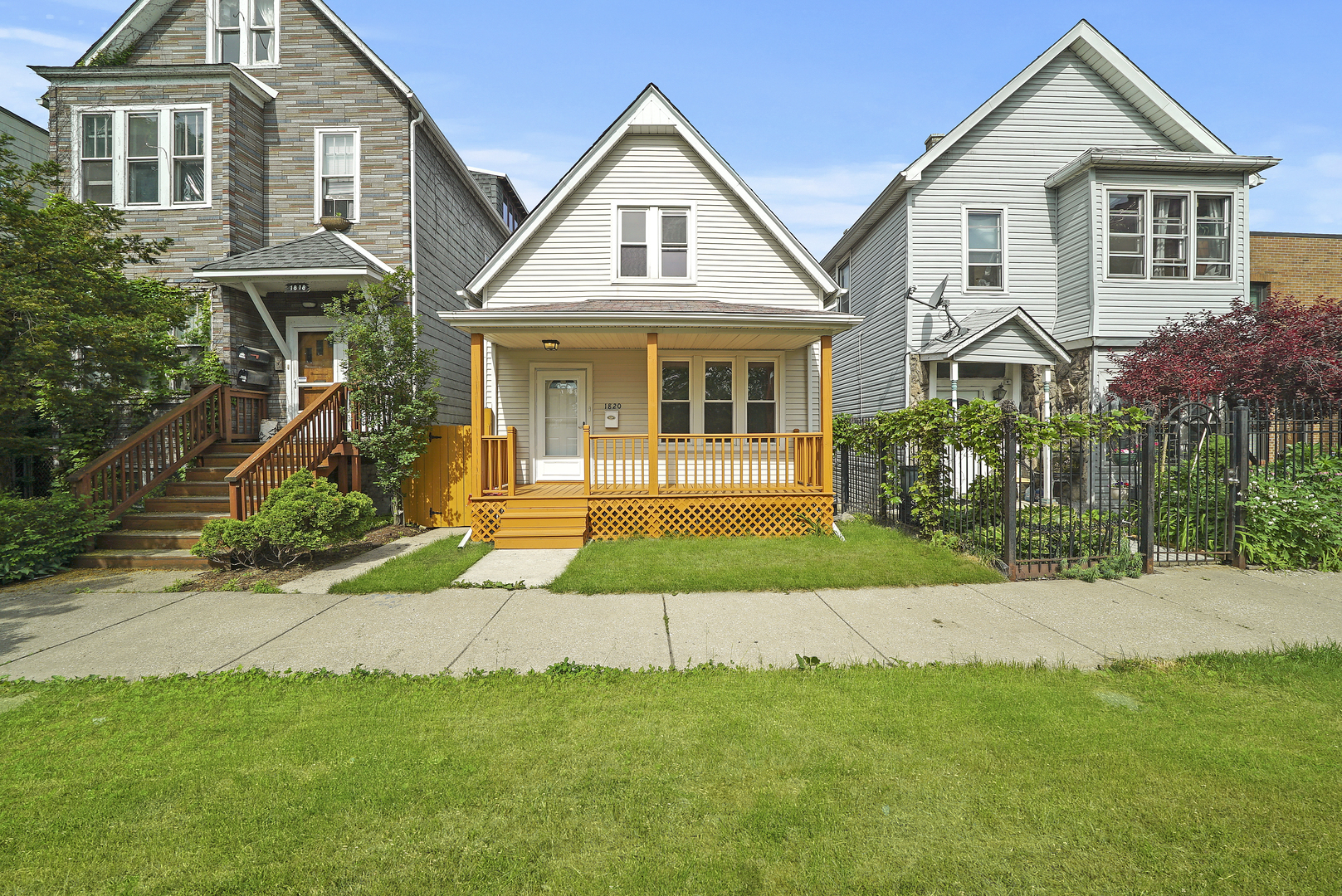 Beautiful updated 3 bedroom 2 bath single family home just half a block away from the 606 in hot Log