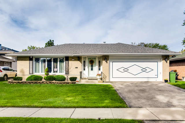*HIGHEST AND BEST DUE SATURDAY AT 6PM. Beautiful, 3 bedrooms, move-in-ready, ranch style home with f