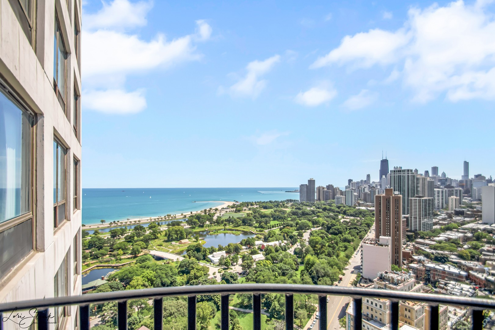 Incomparable high floor condo with breathtaking views of the city skyline, lake and park from this 3