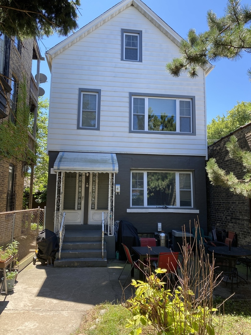 BRICK 2 UNIT IN LOGAN SQUARE AREA!2 BEAUTIFULL FULLY REHABBED 3 BED UNITS, TRANSPORTATION ,SCHOOLS ,